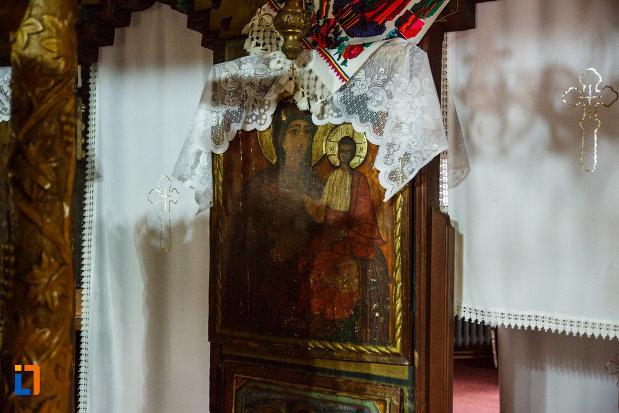 biserica-de-lemn-sf-pantelimon-din-baile-olanesti-judetul-valcea-icoana-cu-maica-domnului.jpg
