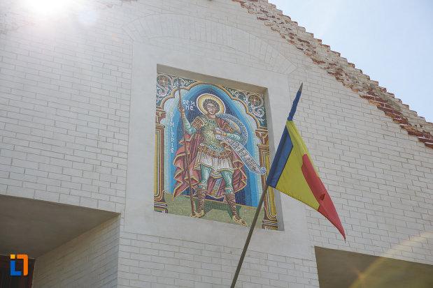biserica-din-cetate-sf-dimitrie-din-timisoara-judetul-timis-drapel-si-pictura-murala.jpg