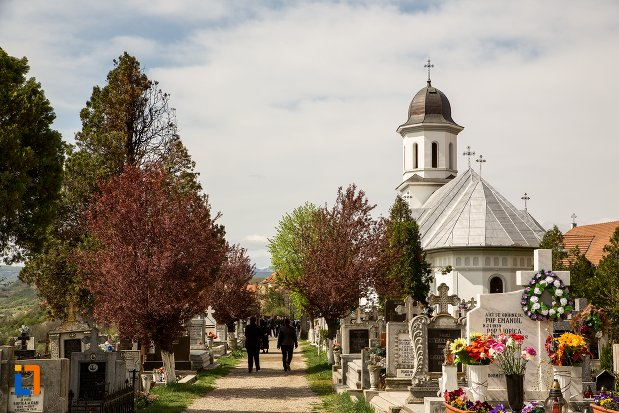 biserica-din-cimitirul-rapa-robilor-din-aiud-judetul-alba.jpg