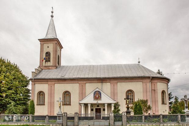 biserica-din-pomi-judetul-satu-mare.jpg