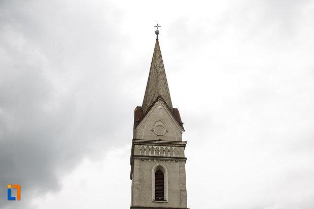 biserica-evanghelica-din-petrosani-judetul-hunedoara-imagine-cu-turnul.jpg