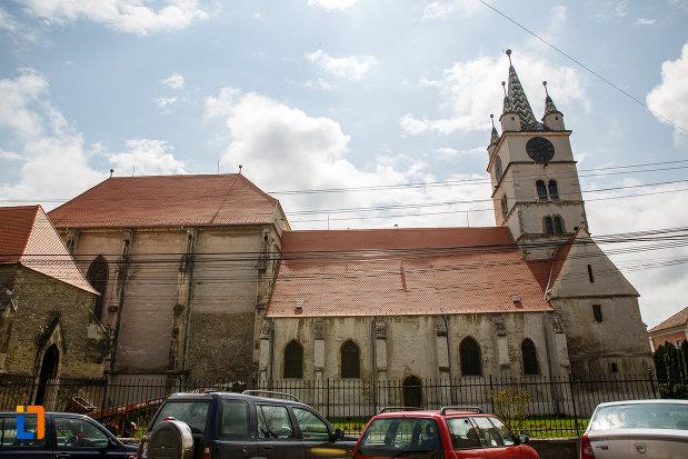 biserica-evanghelica-din-sebes-judetul-alba-fotografiata-din-lateral.jpg
