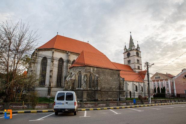 biserica-evanghelica-din-sebes-judetul-alba-vazuta-din-spate.jpg