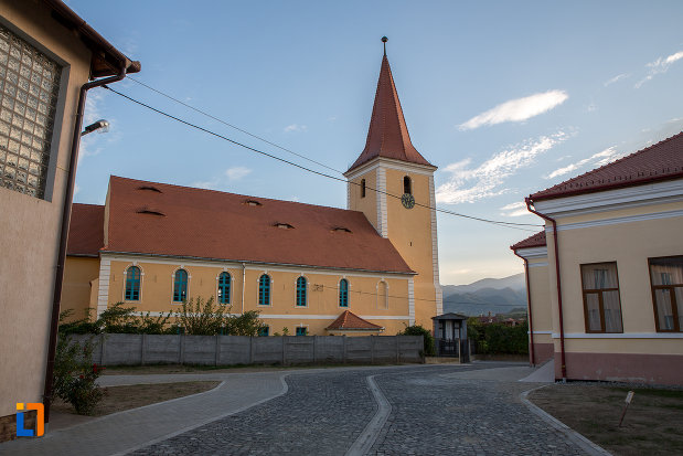 biserica-evanghelica-din-talmaciu-judetul-sibiu.jpg