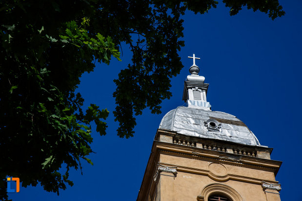 biserica-evanghelica-lutherana-din-timisoara-judetul-timis-crucea-de-pe-turn.jpg