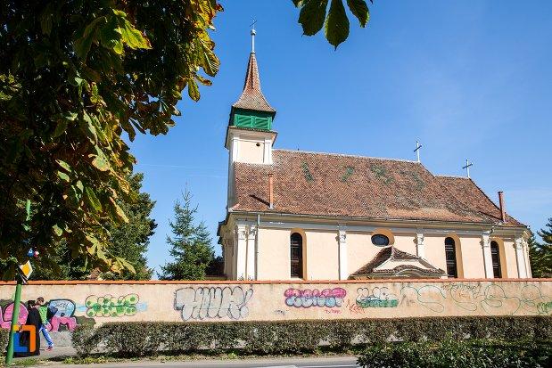 biserica-evanghelica-maghiara-blumana-din-brasov-judetul-brasov-vazuta-din-lateral.jpg