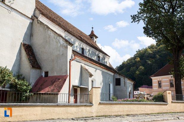 biserica-evanghelica-sf-matia-din-rasnov-judetul-brasov-vazuta-din-lateral.jpg
