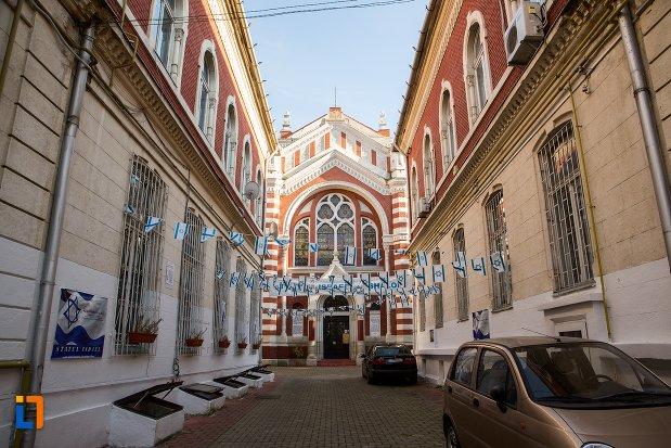 biserica-evreiasca-din-brasov-judetul-brasov.jpg