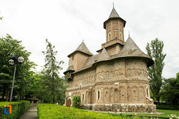 biserica-fortificata-precista-din-galati-judetul-galati-vazuta-din-spate.jpg