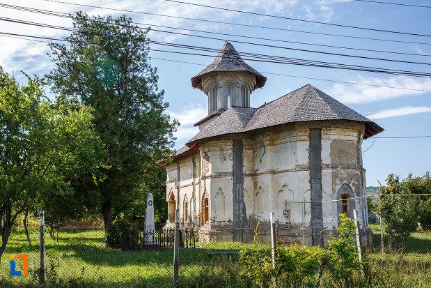 biserica-galbena-sf-dimitrie-sf-nicolae-1761-din-urlati-judetul-prahova.jpg