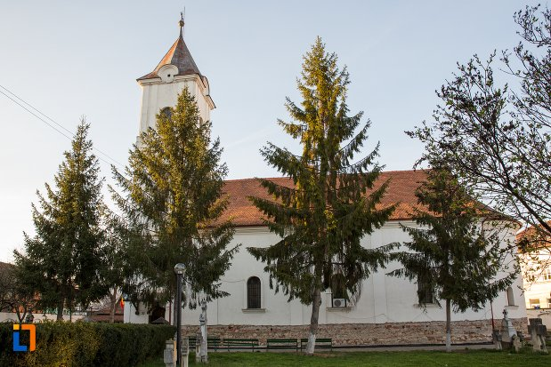 biserica-greaca-bunavestire-din-alba-iulia-judetul-alba-vazuta-din-lateral.jpg