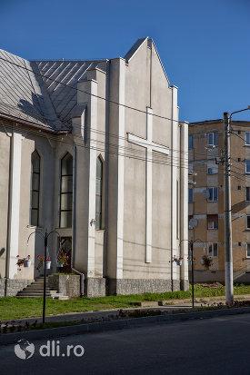 biserica-greco-catolica-din-baia-sprie-judetul-maramures-vedere-din-lateral.jpg
