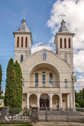 biserica-greco-catolica-din-bixad-judetul-satu-mare.jpg