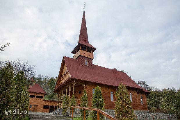 biserica-greco-catolica-din-botiza-judetul-maramures.jpg