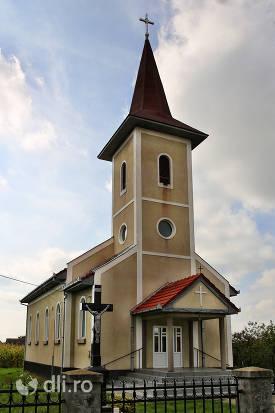biserica-greco-catolica-noua-din-cauas-judetul-satu-mare.jpg