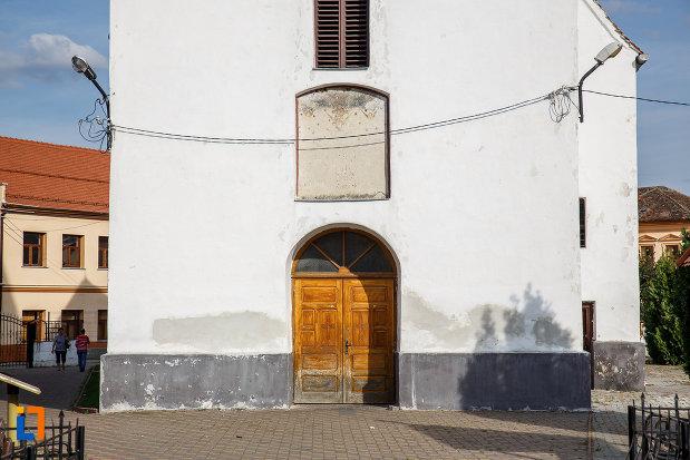 biserica-inaltarea-domnului-1785-din-saliste-judetul-sibiu-usa-din-lemn.jpg