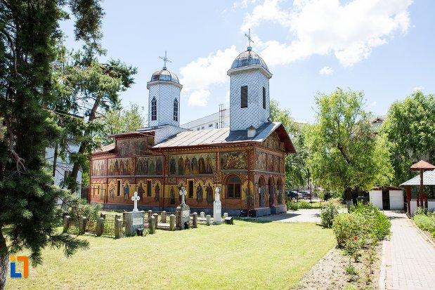 biserica-izvorul-tamadurii-oborul-vechi-din-targoviste-judetul-dambovita.jpg