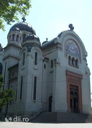 biserica-madona-dudu.jpg