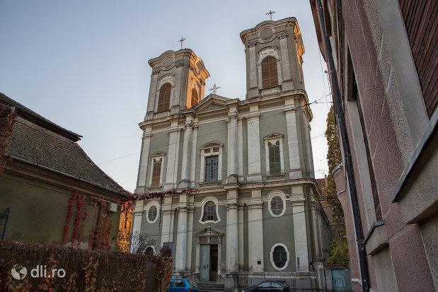 biserica-maica-indurerata-a-manastirii-premonstratense-din-oradea-judetul-bihor.jpg
