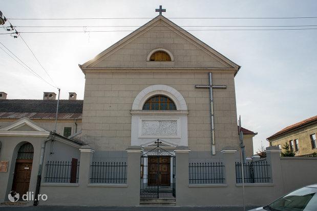 biserica-manastirii-capucinilor-vizita-sf-fecioare-la-sf-elisabeta-din-oradea-judetul-bihor.jpg