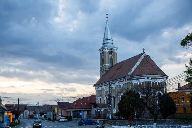 biserica-mare-ortodoxa-din-sebes-judetul-alba-vazuta-din-spate.jpg