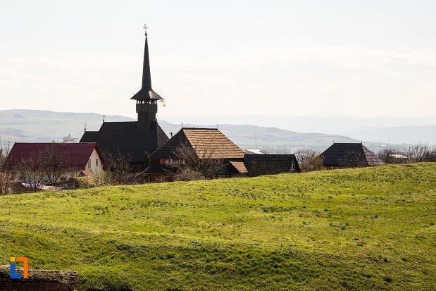 biserica-mihai-viteazul-din-alba-iulia-judetul-alba.jpg