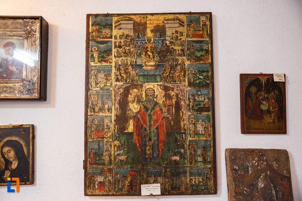 biserica-muzeu-sf-ilie-biserica-noua-din-dragasani-pictura-cu-personaje-bisericesti.jpg