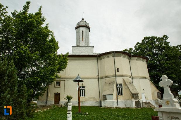 biserica-nasterea-maicii-domnului-din-odobesti-judetul-vrancea.jpg