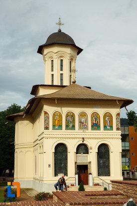 biserica-nasterea-sf-ioan-botezatorul-1664-din-focsani-judetul-vrancea.jpg