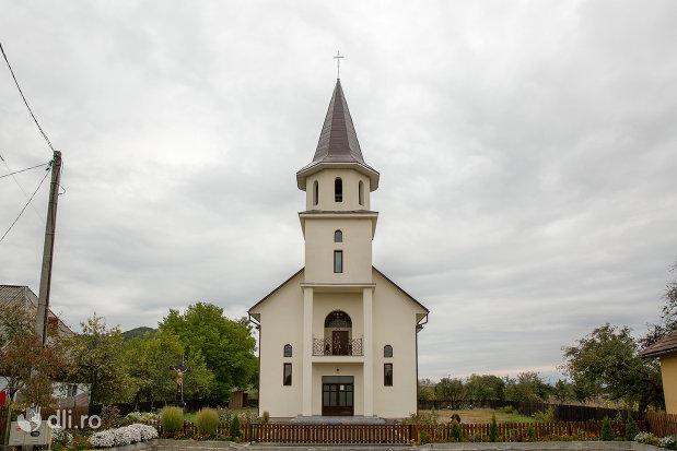 biserica-noua-din-cicarlau-judetul-maramures.jpg