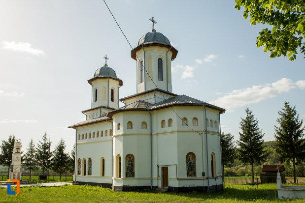 biserica-noua-din-ticleni-judetul-gorj-vazuta-din-spate.jpg