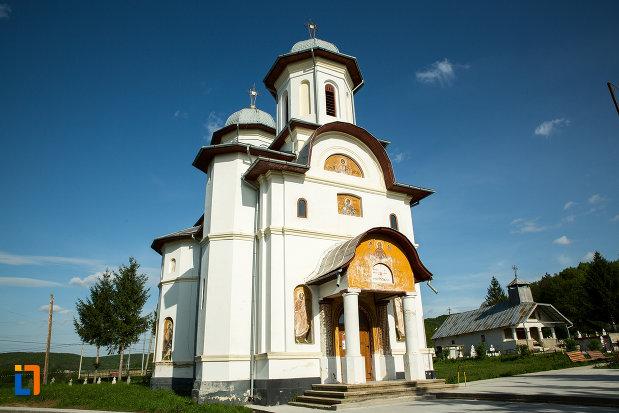 biserica-noua-din-ticleni-judetul-gorj.jpg