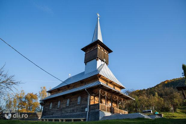 biserica-noua-din-valea-stejarului-judetul-maramures.jpg