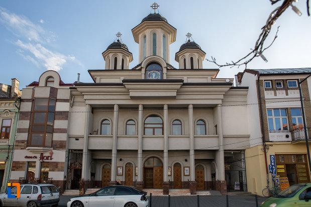 biserica-orthodox-schimbarea-la-fata-din-cluj-napoca-judetul-cluj.jpg