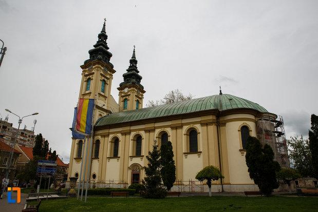 biserica-ortodoxa-adormirea-maicii-domnului-din-lugoj-judetul-timis-vazuta-din-lateral.jpg