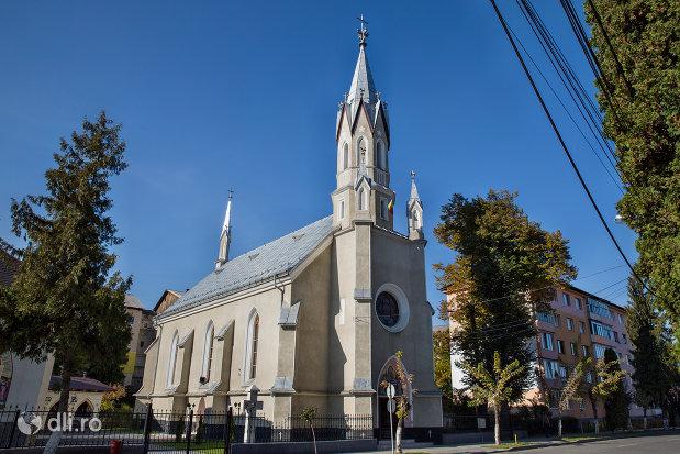 biserica-ortodoxa-adormirea-maicii-domului-din-sighetu-marmatiei-judetul-maramures-imagine-de-ansamblu.jpg
