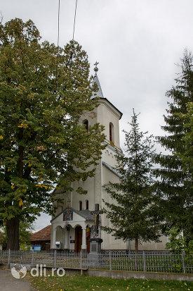 biserica-ortodoxa-din-aciua-judetul-maramures-imagine-laterala.jpg