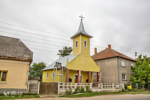 biserica-ortodoxa-din-ambud-judetul-satu-mare.jpg