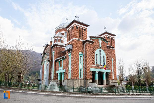 biserica-ortodoxa-din-anina-judetul-caras-severin.jpg