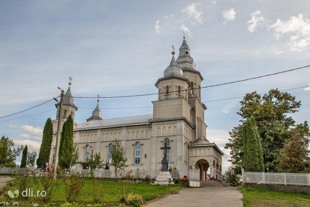biserica-ortodoxa-din-boinesti-judetul-satu-mare-vedere-laterala.jpg