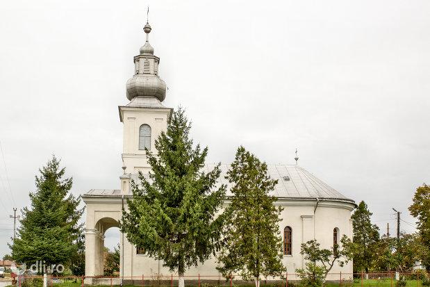 biserica-ortodoxa-din-caraseu-judetul-satu-mare-vedere-laterala.jpg