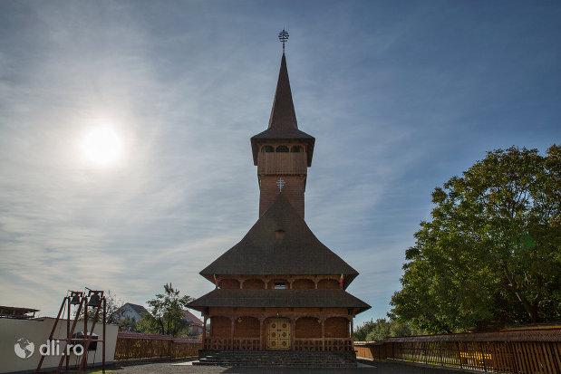 biserica-ortodoxa-din-seini-judetul-maramures.jpg