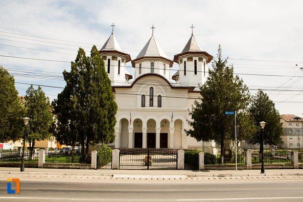 biserica-ortodoxa-din-teius-judetul-alba.jpg
