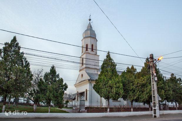 biserica-ortodoxa-din-valea-lui-mihai-judetul-bihor.jpg