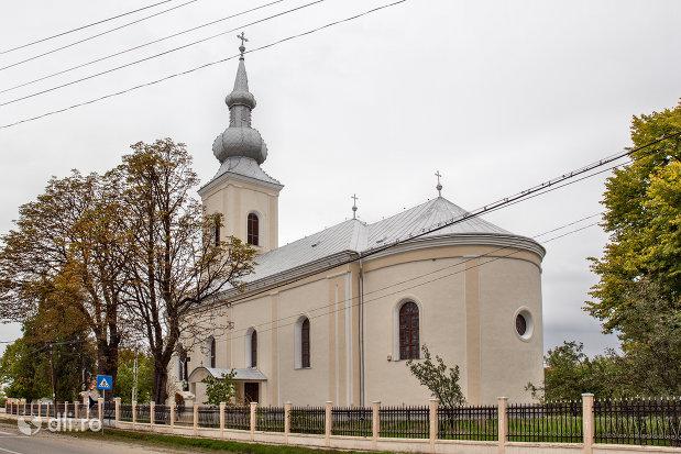 biserica-ortodoxa-din-valea-vinului-judetul-satu-mare-vedere-din-spate.jpg