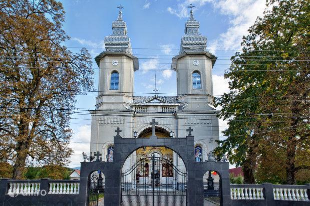 biserica-ortodoxa-nasterea-maicii-domnului-din-bixad-judetul-satu-mare.jpg