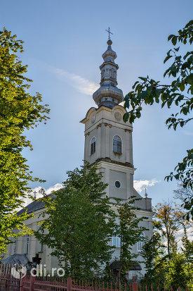 biserica-ortodoxa-nasterea-maicii-domnului-din-negresti-oas-judetul-satu-mare-vedere-laterala.jpg