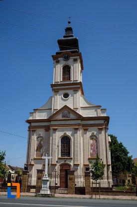 biserica-ortodoxa-nasterea-maicii-domnului-din-sannicolau-mare-judetul-timis.jpg
