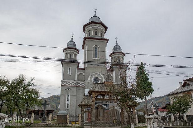 biserica-ortodoxa-noua-din-stramtura-judetul-maramures.jpg