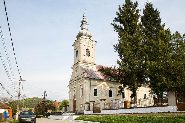 biserica-ortodoxa-pogorarea-sfantului-duh-din-bocsa-judetul-caras-severin.jpg